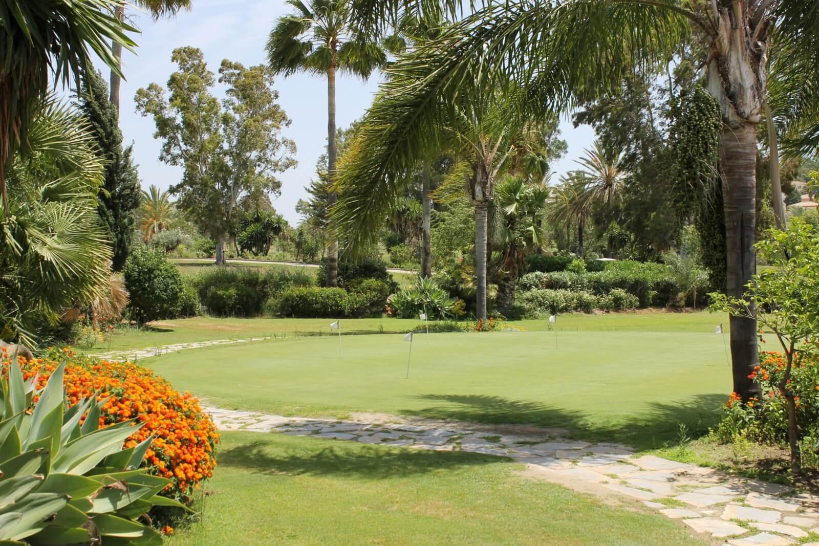 El Paraiso Golf, Puerto Banus
