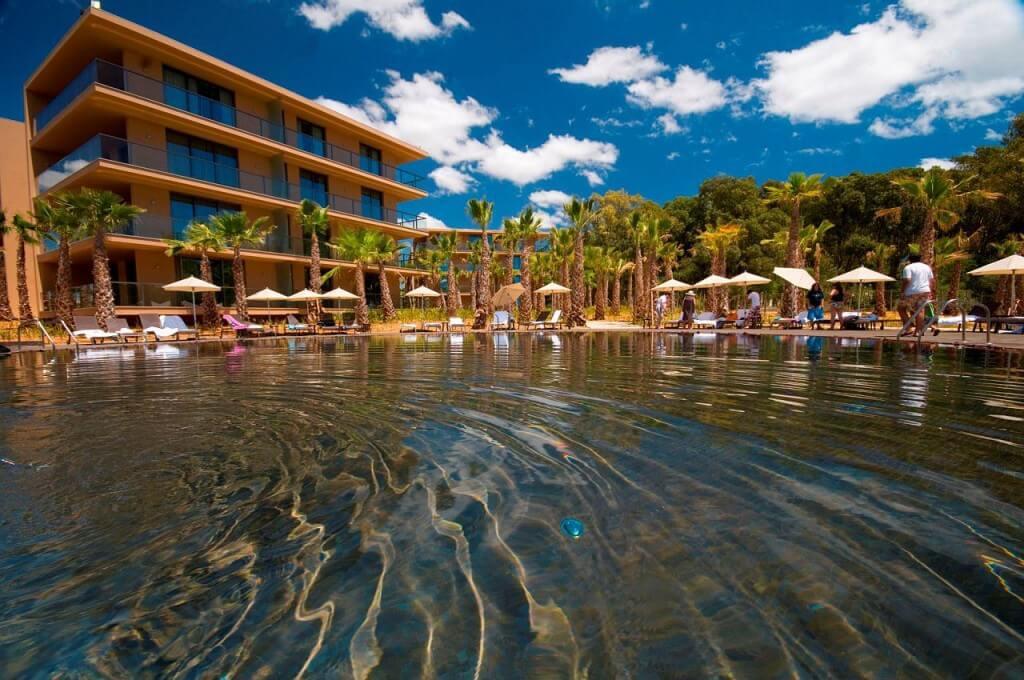 ALGARVE – 4* Salgados Palm Village Suites