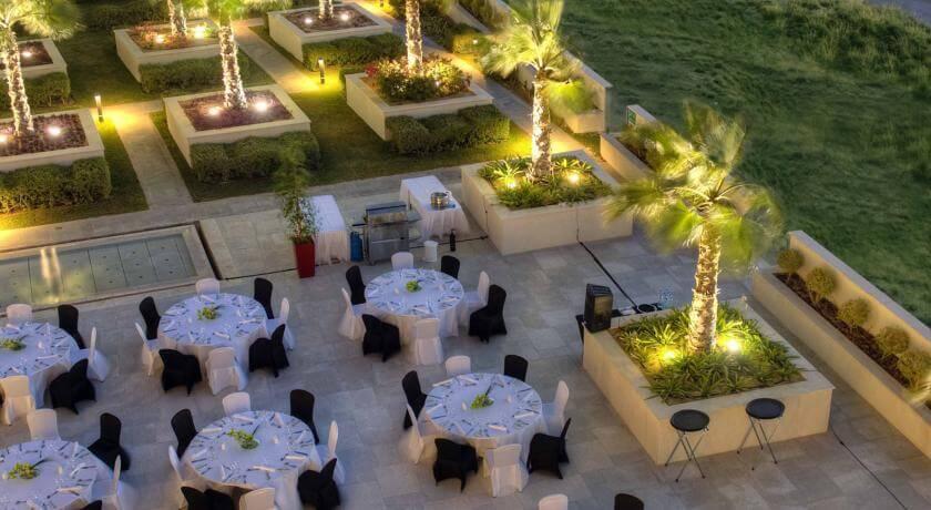 ABU DHABI - 5* Crowne Plaza Yas Island