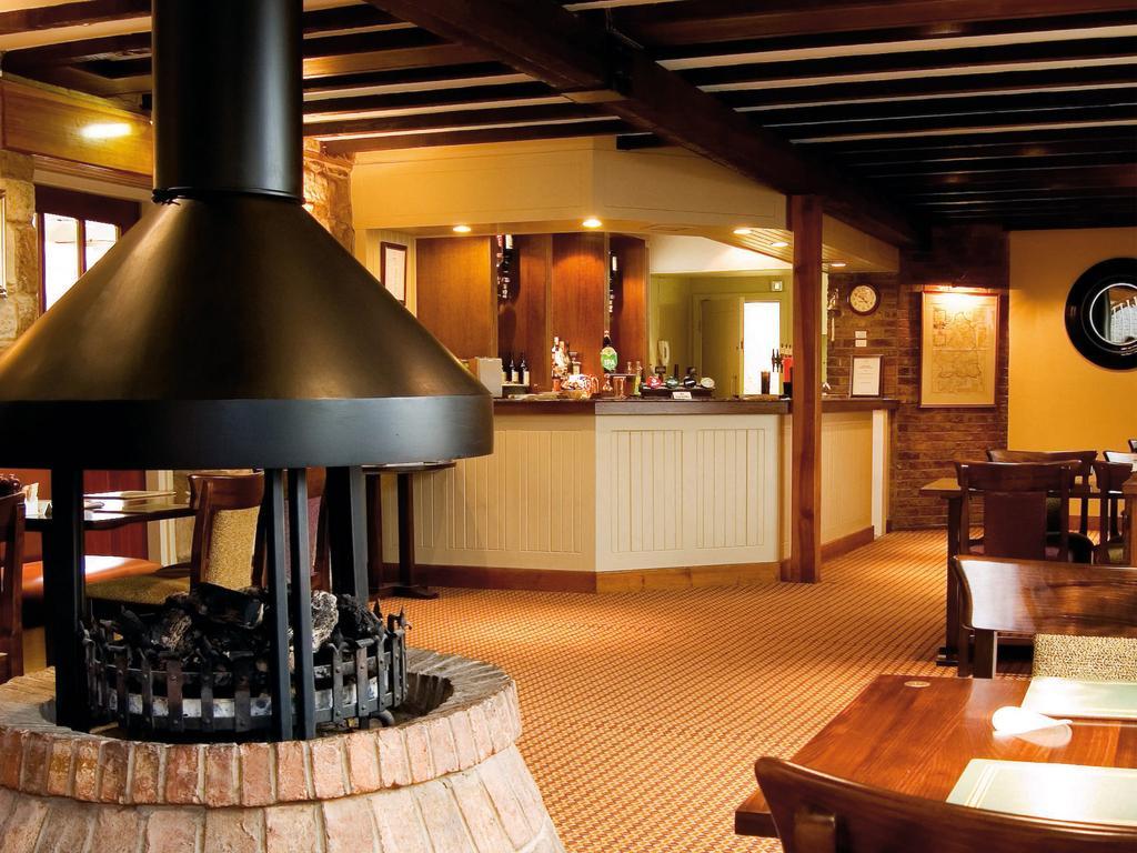 UK - Macdonald Linden Hall