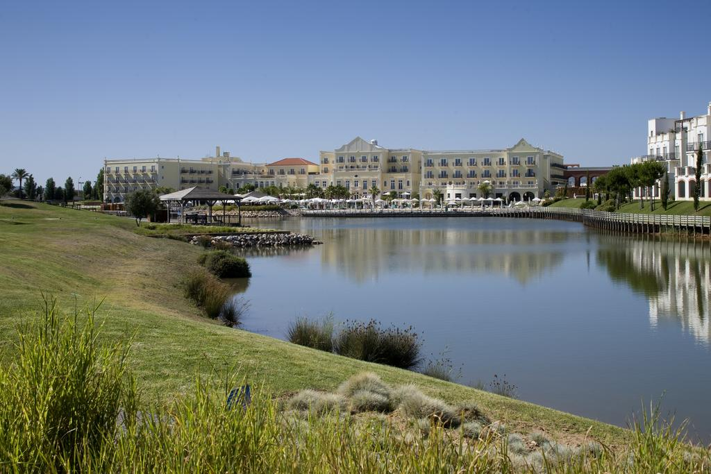 ALGARVE - 5* Blue And Green The Lake Spa Resort