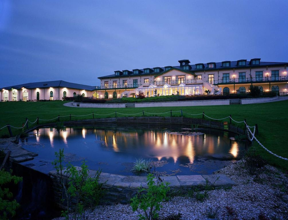 The Vale Resort at night